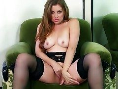 Superb hottie Sovereign Syre likes posing