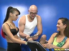 A handful of unpremeditated bald dude gets a chance with regard to bang