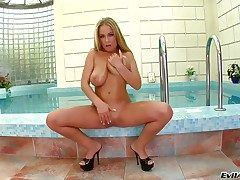 Jessica Moore wants this blowjob occasion not far from