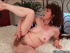Classy mature plumbed in her wet hairy slit