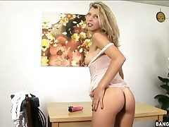 Blonde son Krisei Luse is hot