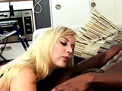 This ultra-cute blonde can't get enough of his bbc and