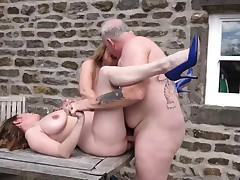 2 big-boobed mature mummies fucked outdoors